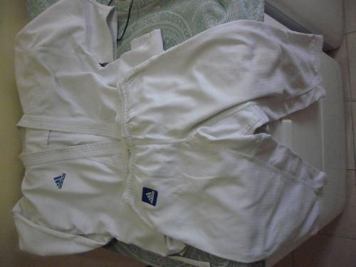 Karategui adidas Usado Camisa 55x75 Y Pantalon 30x82