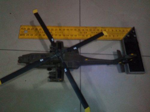 Helicoptero Apache De Metal Y Plastico,