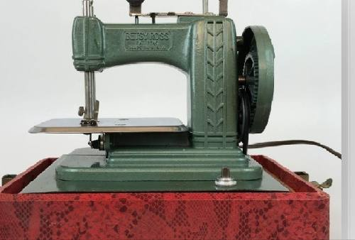 Máquina De Coser Para Niños En Miniatura (betsy Ross)