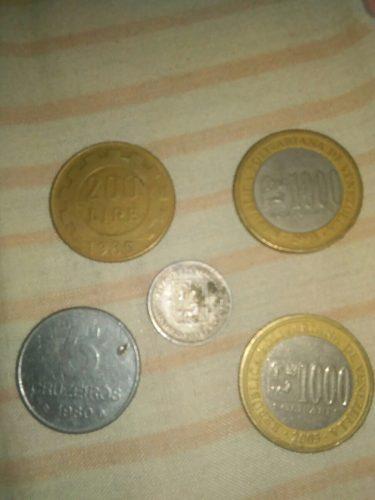 Dos Monedas De bs, Un Medio De Plata