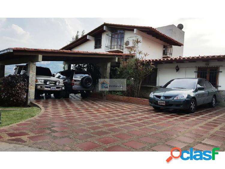 Se vende casa 625m2 4h+s/3b+s/8p Prado del Este