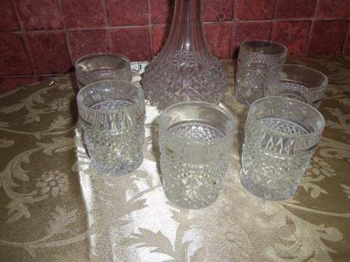 Juego De Licorera De Cristal Tallado 6 Vasos