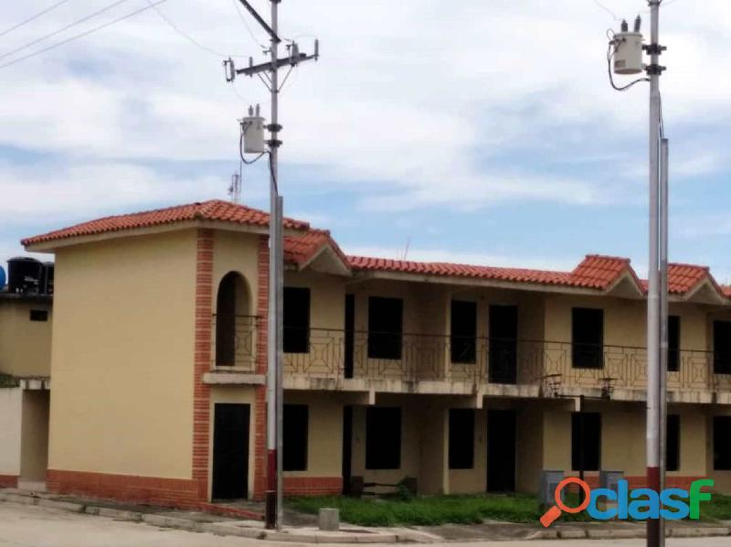 Se Vende Casa en Obra Gris en el Alboral II Flor Amarillo ,