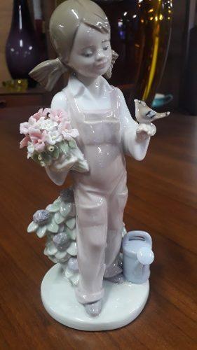 Porcelana Lladro Niña Con Flores