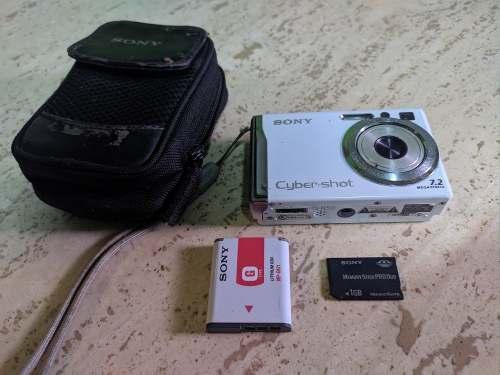 Camara Sony W80 Con 3 Memorias Cable Usb Y Tv Y Cargador