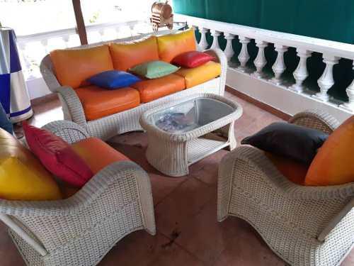 Muebles De Jardin En Mimbre Y Cojines Impermeables