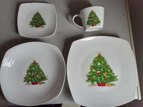 Juego De Vajilla De Arbol De Navidad 16 Piezas En 25treboles