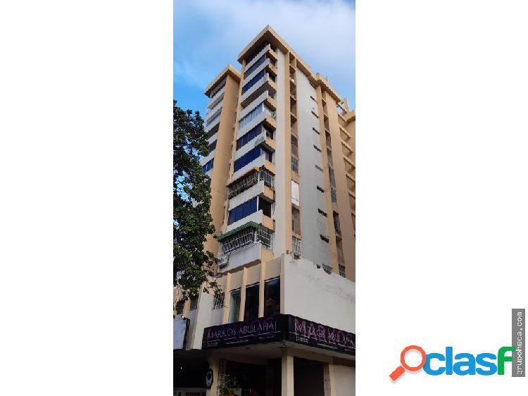 Apartamento Amoblado en Urb. Andres Bello, Maracay