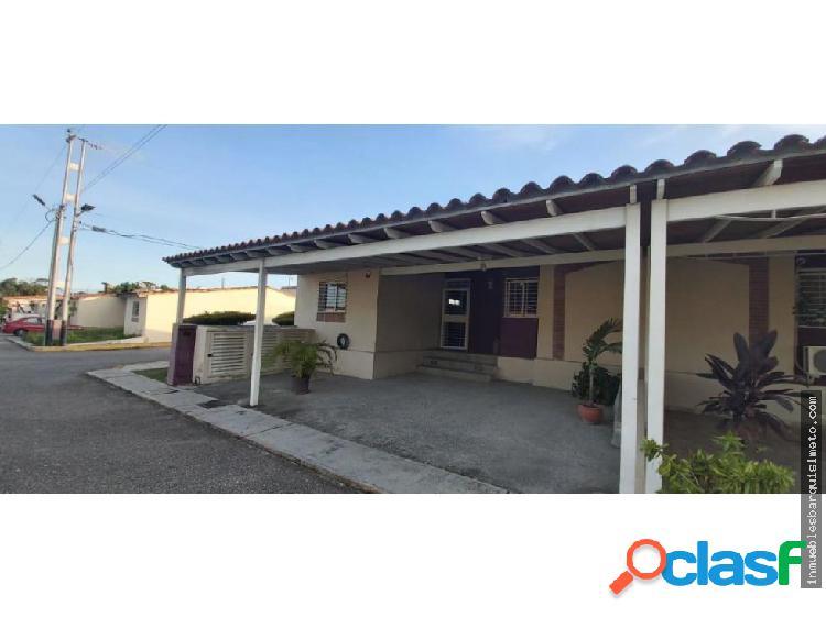 Casa En Venta Cabudare 20-1406 zegm