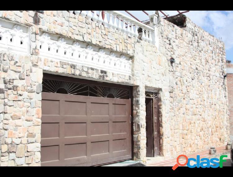 Casa en venta Lomas de La Lagunita RAH: 15-15287