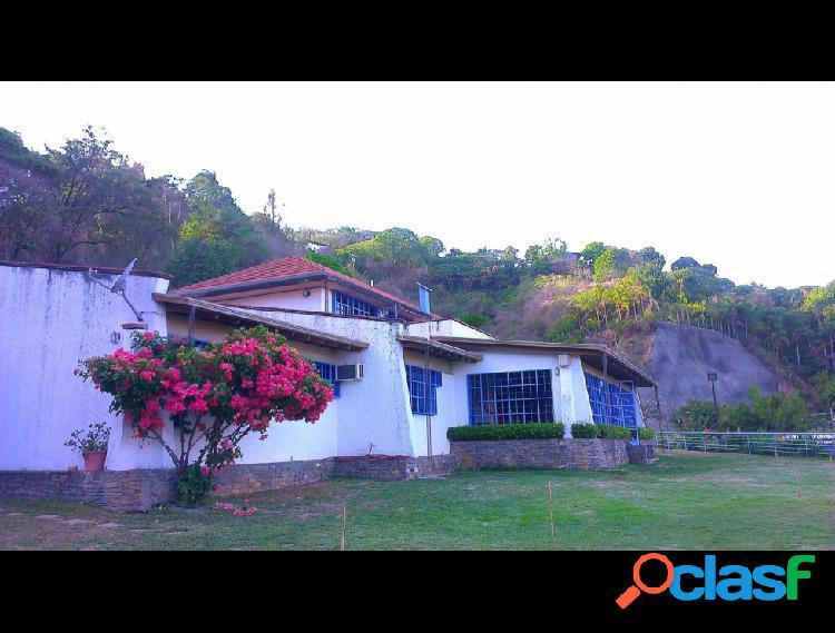 Disponible Casa en venta Los Campitos RAH: 14-6921