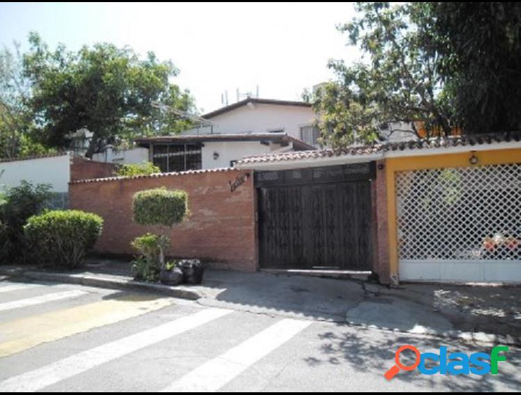 Disponible Casa en venta Los Chorros RAH: 14-2870