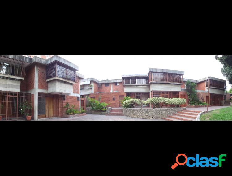 Disponible Casa en venta Los Chorros RAH: 16-5770