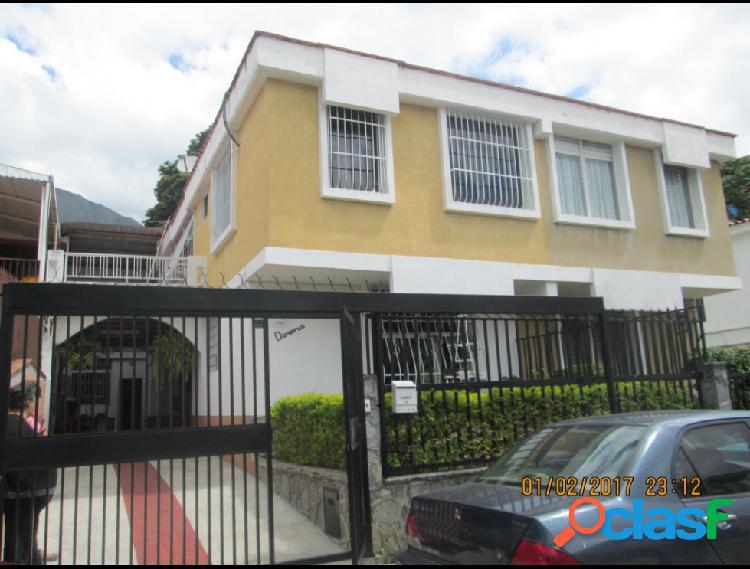 Disponible Casa en venta Los Chorros RAH: 17-2618