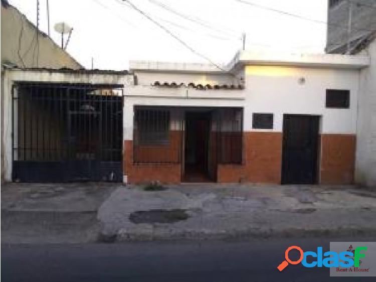 Renathouse Lara ofrece en venta Casa comercial