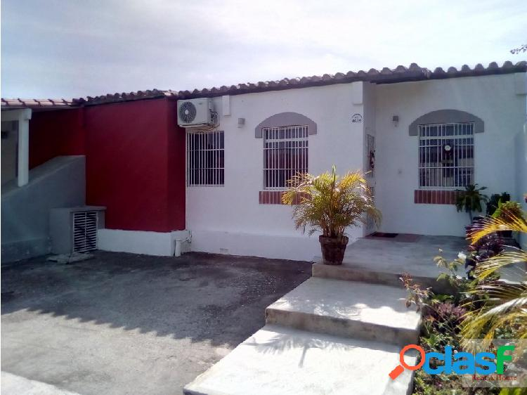 Tito Reyes vende hermosa casa