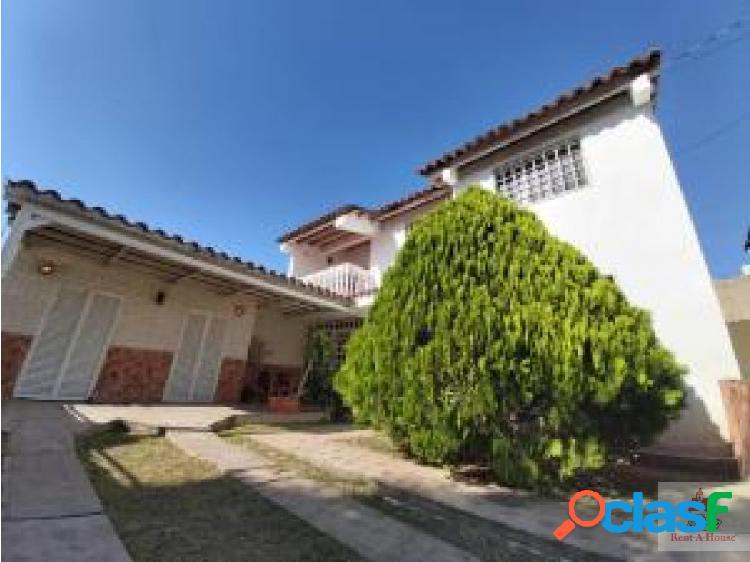 Renathouse Lara Vende Espectacular casa