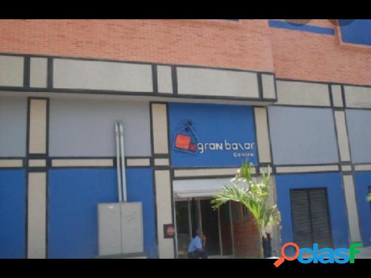 VENDO LOCAL COMERCIAL EN GRAN BAZAR CALLE COMERCIO