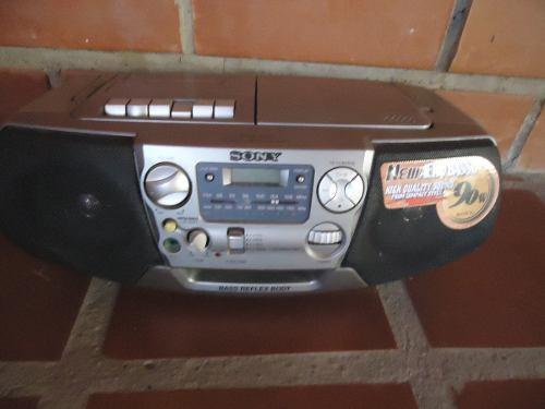 Radio Am Fm Portatil Marca Original Sony.