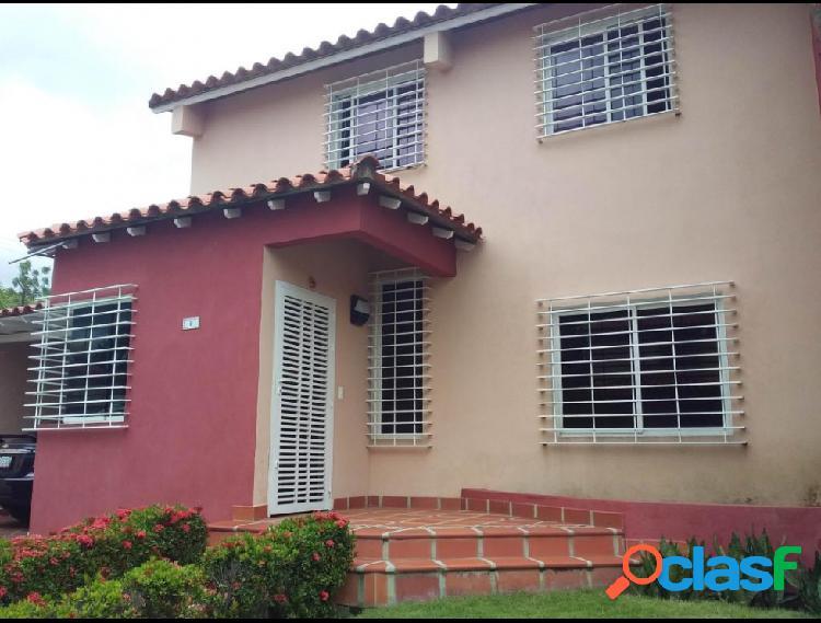 RAH: 20-128. Casa en venta en La Mora