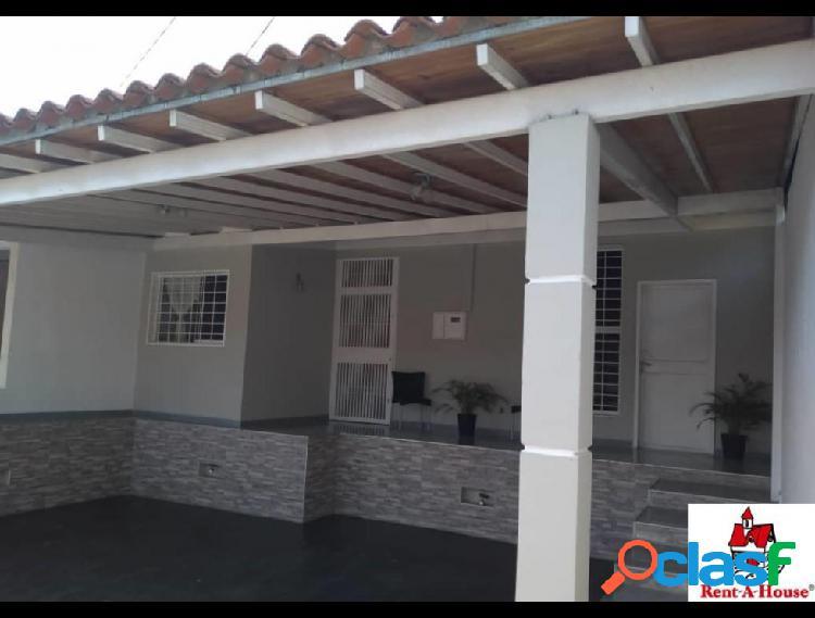 RAH: 20-6055. Casa en venta en La Mora