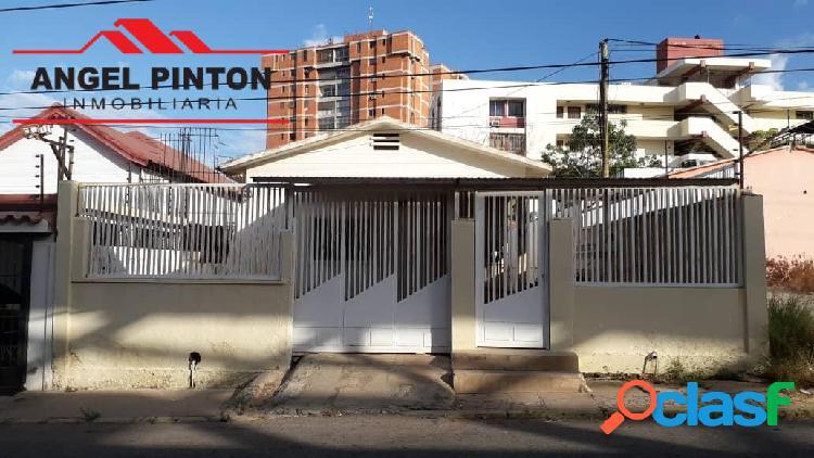 CASA COMERCIAL VENTA SANTA RITA MARACAIBO API 4815