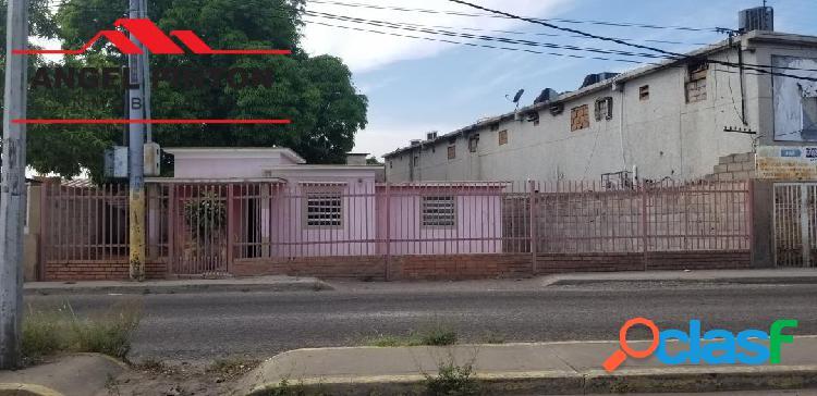 CASA VENTA LA POMONA MARACAIBO API 4453