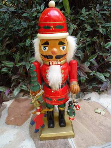 Cascanueces De Navidad De Madera. Original De Madera