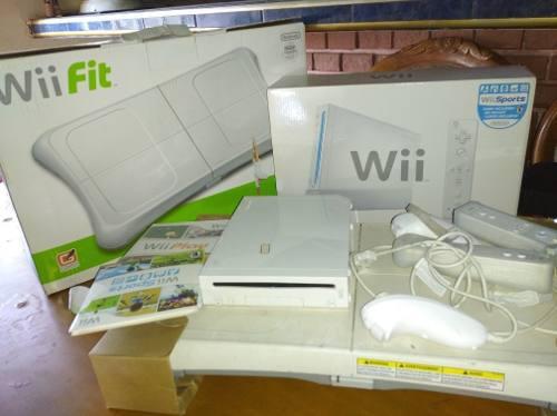 Nintendo Wii Perfectas Condiciones Con Wii Fit Incluido
