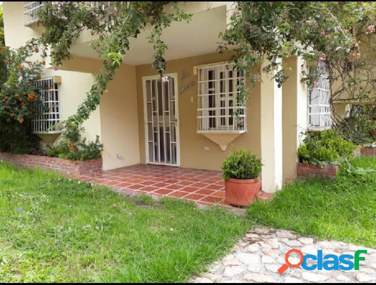 RAH: 18-6394. Casa en venta en Via La Lagunita