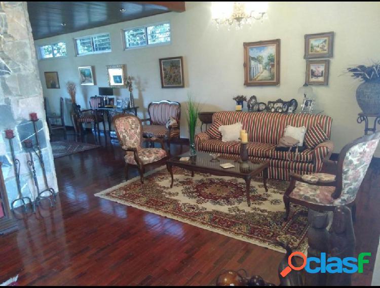 RAH: 20-175. Casa en venta en Santa Rosa