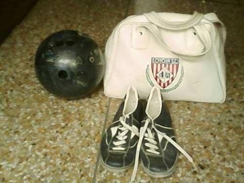 Bola De Bowling Con Esruches Y Zapatos 14 Libras 10 Verdes