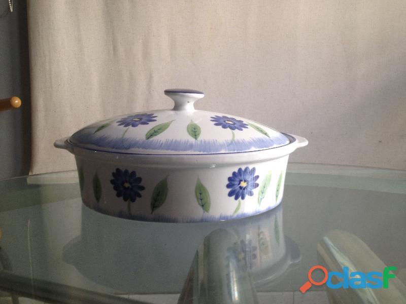 Cacerola de cerámica con tapa