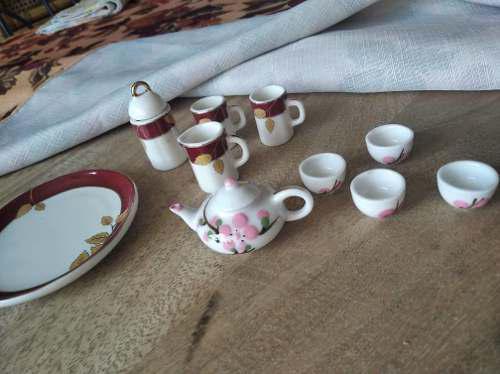 Juego De Té En Miniatura. De Porcelana.