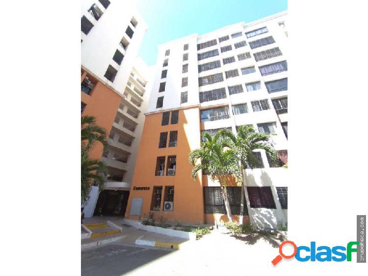 Se Vende Apartamento Amoblado en Urb. Bosque Alto