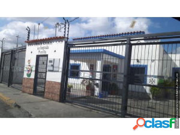 Posada en Venta Barquisimeto Este, AL 20-3901