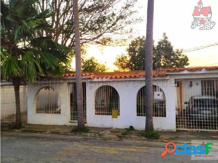Alexander B vende casa al Este de Barquisimeto