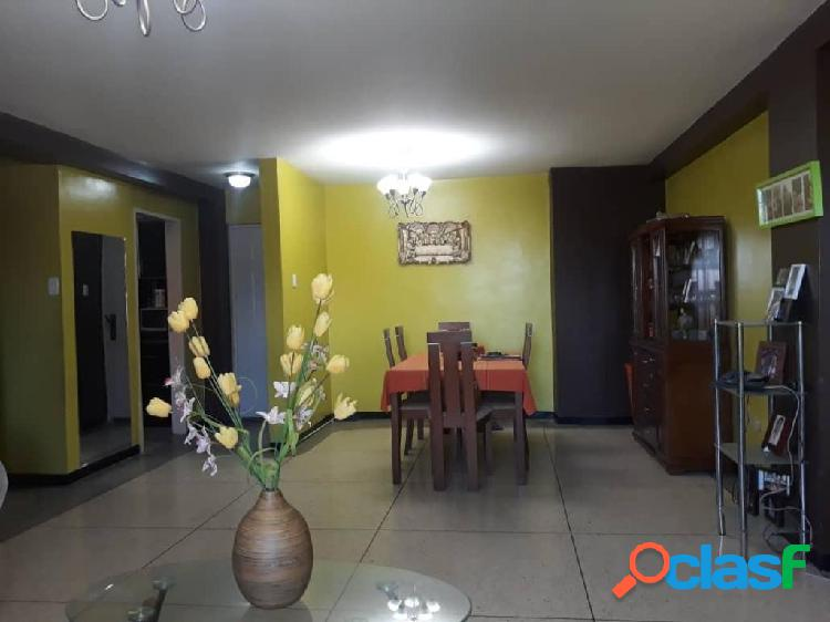 Se alquila Apartamento Santa Irene RAH: 20-620