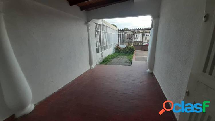 Se alquila Casa El Recreo RAH: 20-3866
