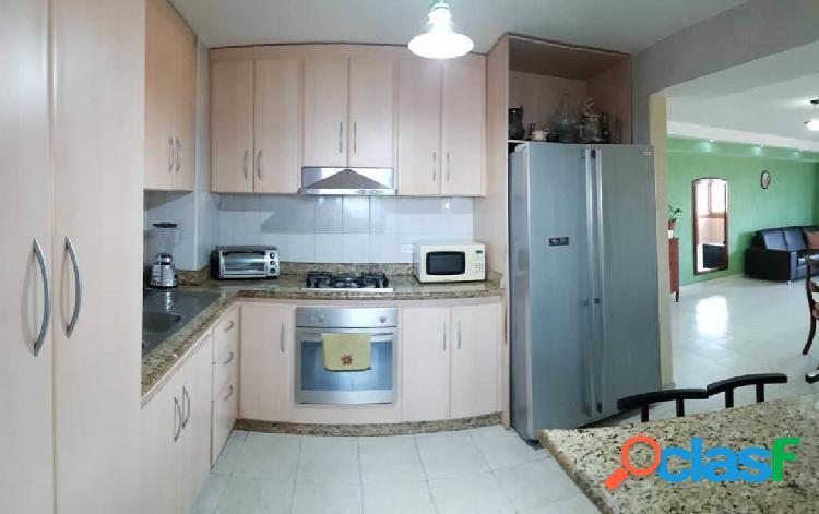 Se vende Apartamento Centro RAH: 20-7518