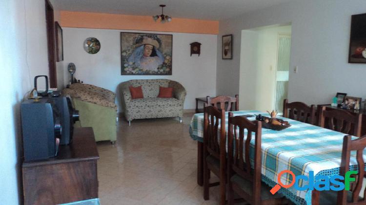 Se vende Apartamento El Parque RAH: 20-2042
