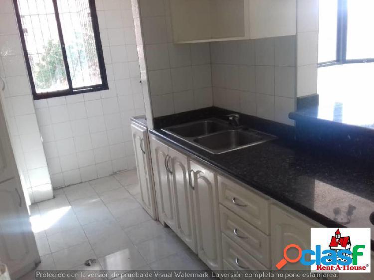 Se vende Apartamento El Parque RAH: 20-2775