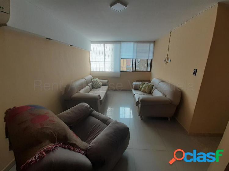 Se vende Apartamento El Parque RAH: 20-8646