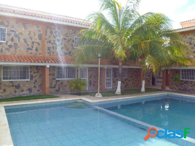 Se vende Apartamento Flamingo RAH: 20-3725