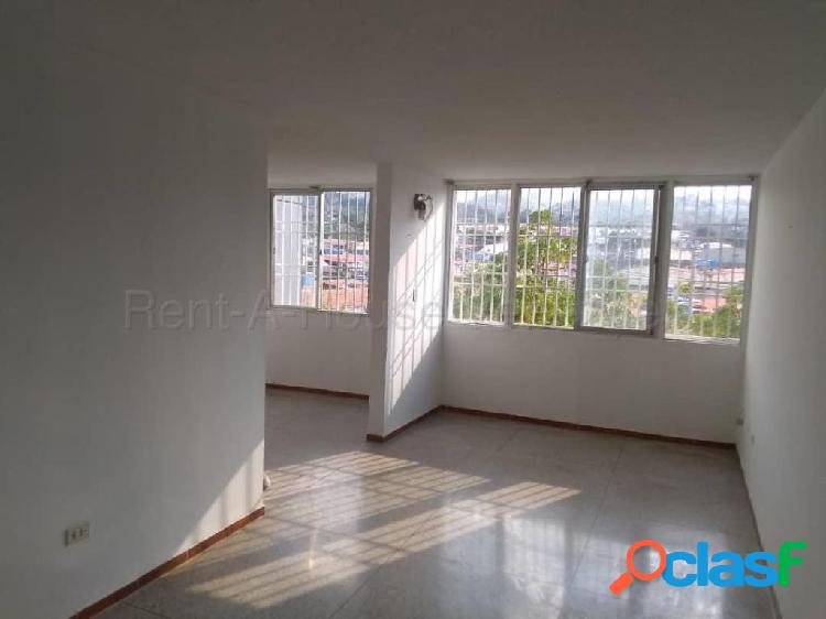 Se vende Apartamento La Mora RAH: 20-7412