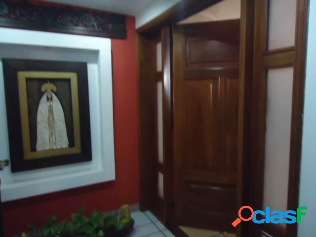 Se vende Apartamento Las Trinitarias RAH: 20-7276