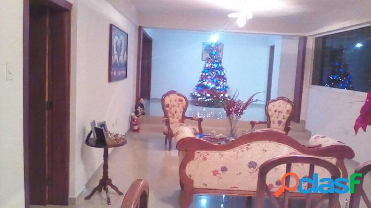 Se vende Casa Colinas de Santa Rosa RAH: 20-2291