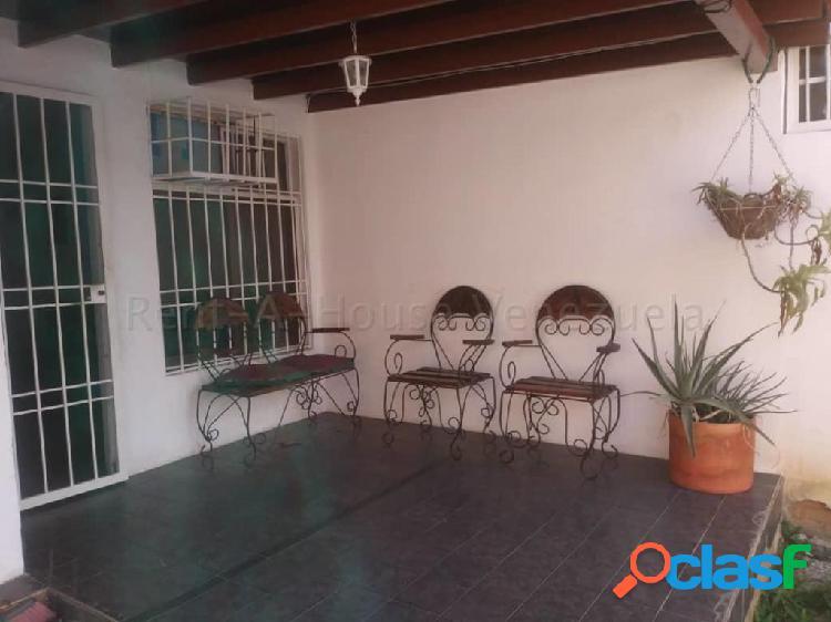 Se vende Casa La Mora RAH: 20-7458