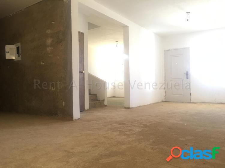 Se vende Casa Los Caciques RAH: 20-7072