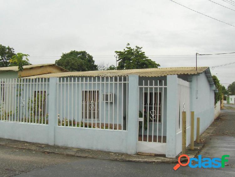 Se vende Casa Municipio Peña RAH: 20-1700